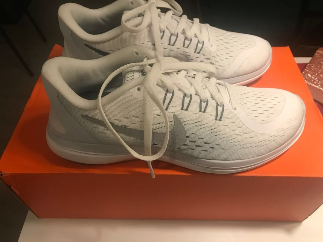 SALE!! 2500 only!!AUTHENTIC NIKE FLEX SHOES