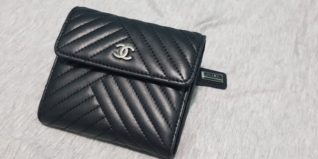 61fa562132a9 Used Chanel Wallet (PRICE REDUCED), Luxury, Bags & Wallets, Wallets on  Carousell