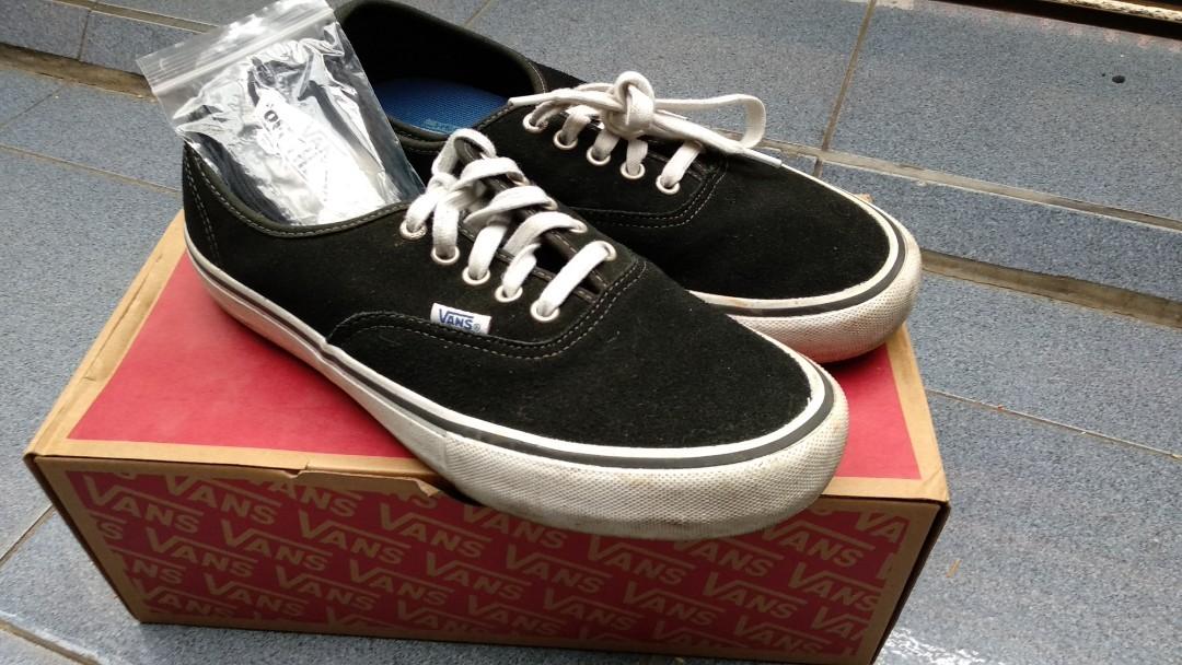 Vans Authentic Pro Black White, Men's Fashion, Men's Footwear on Carousell