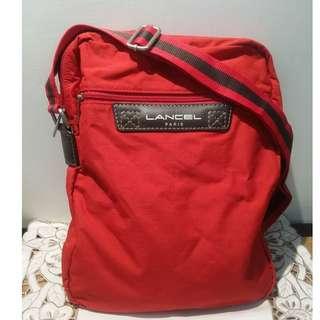 全新 Lancel 斜孭袋 28x35cm. 100% 正貨 (紅色)