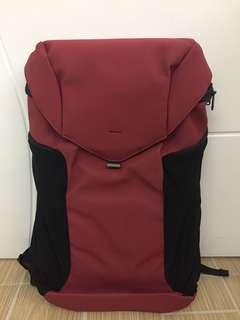 Joey backpack 流線型多收納背包 可放13'laptop