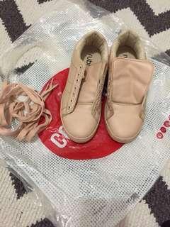 Sepatu rubi cotton on