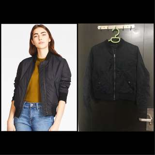 Uniqlo Bomber Jacket in Navy(Can Nego Price)