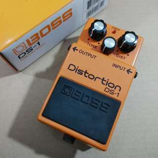 BOSS DS-1 Distortion Guitar Effect Pedal (Like New)
