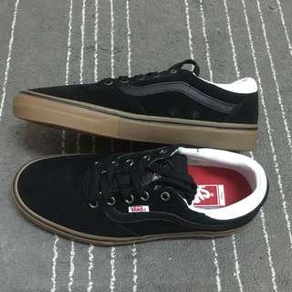 🚚 Vans gilbert crockett pro 黑色 膠底 焦糖底 帆布 滑板鞋 era Old skool authentic 黑白