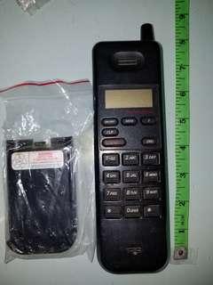 殘舊爛  舊式手提電話 $20元 pm:5~7深水步mtr (存放在45)