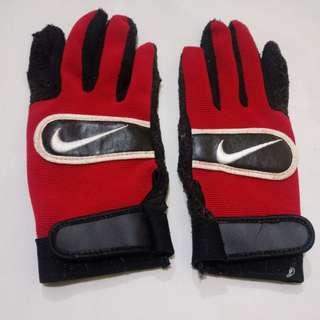 Sarung Tangan Wanita Kecil Merah Logo Nike bisa buat motor