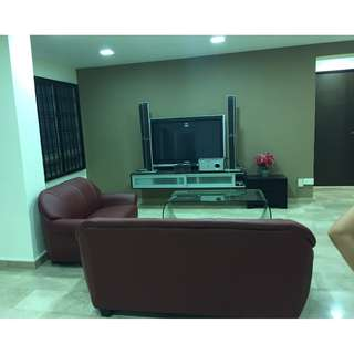 common room with private bathroom for rent near pioneer mrt (no owner)