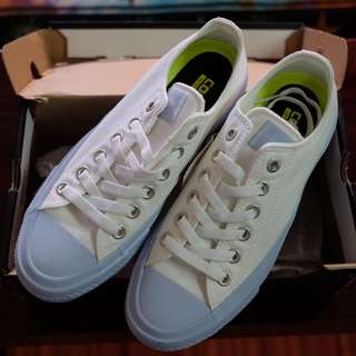 Converse ALL Star with Lunarlon White sky blue Size 6 women