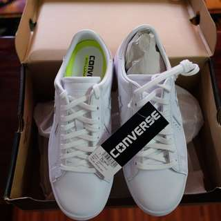 Converse ALL Star with Lunarlon all White (Size 6 women)