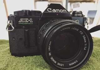 🚚 Canon AE-1 Program 稀有寬景版本 + Canon FD 50mm/f1.4 鏡頭 底片相機