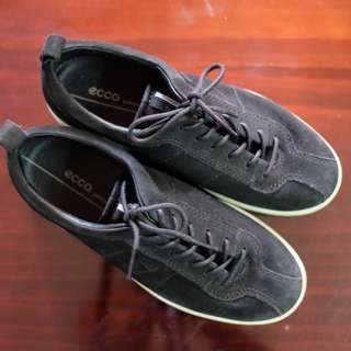 Ecco Black shoes minimalist