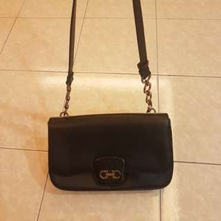 💯% Authentic Salvatore Feragamo Sling Bag✔👌🖒😍😙