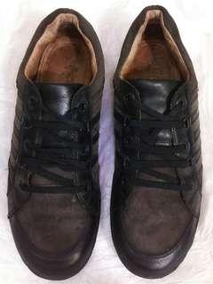 Sepatu GEOX