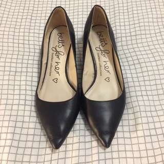 Betts black leather court kitten low work heels pumps shoes high heels