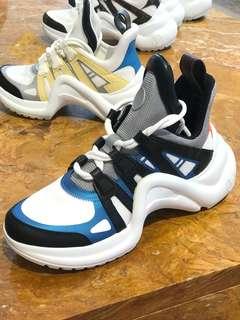 ✨LV 明星同款 Sneaker Archlight  🔥運動鞋 全新現貨37碼 ✨