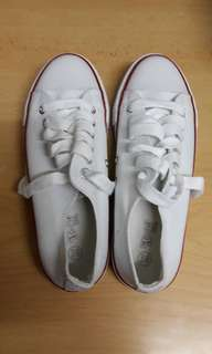 Sneakers white size 8