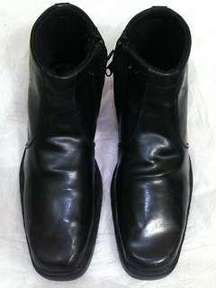 Sepatu boots kulit pantofel size 42