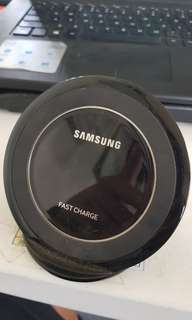 AUTHENTIC SAMSUNG WIRELESS FAST CHARGER