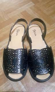 Pre❤ Reva Sandals