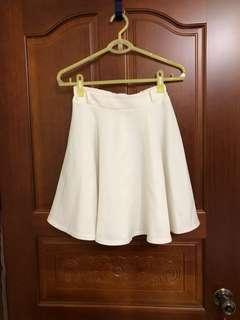 🚚 NG白色半身裙
