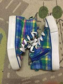 KH&M kids shoes