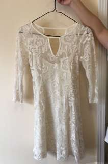 Hollister白色蕾絲綁帶連身裙HCO white cream lace dress A&F