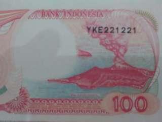 Uang 100 rp kapal pinisi nomer cantik