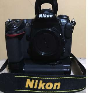 Nikon D300s with free accessories