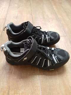 Cycling Shoe (Tahoe) and helmet