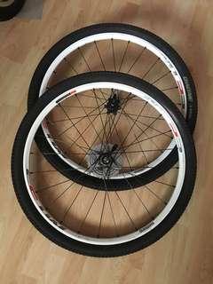 Shimano MT55 wheelset