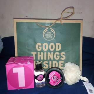 BODY SHOP HAMPERS