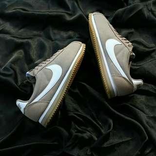 Original Nike cortez gumsoale