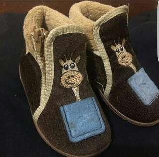 Gezer shoes
