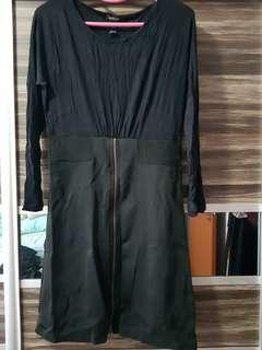 Women's long sleeve knee length dress