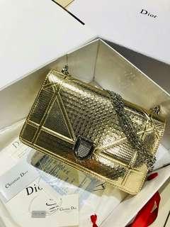 Diorama Gold