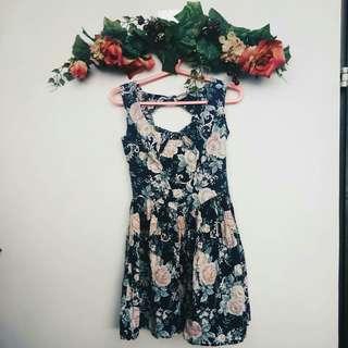 VINTAGE LIKE FLORAL DRESS