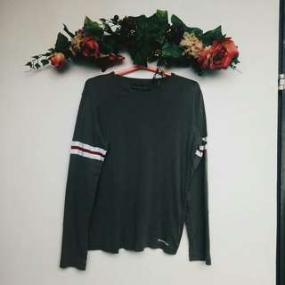 ABERCROMBIE & FITCH ARMY GREEN SWEATER