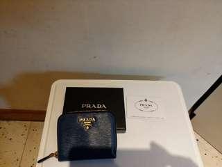 prada coins/cards bag not gucci