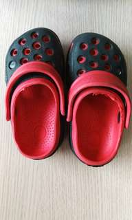 🚚 二手洞洞鞋,適合腳長13到14公分的寶寶穿