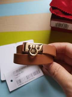 Gelang Salvatore Ferragamo Gancet Sienna Authentic 100%