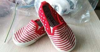 🚚 二手帆布寶寶鞋,適合腳長12.5到14公分的寶寶穿