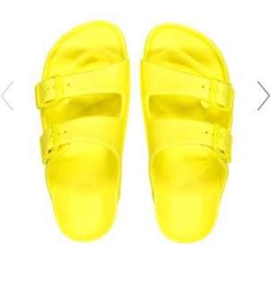 Cotton On Eva slippers