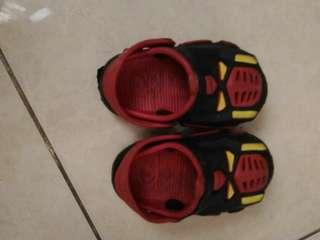 Sepatu sandal anak laki laki model transfomer