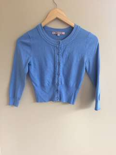 Review Chessie blue cardigan