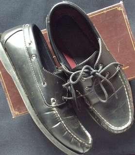 Sepatu Pria Merek Bata