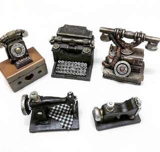 Vintage Figurine and jewelry box