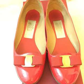 ddd08416c346 Authentic Salvatore Ferragamo Shoe 7M