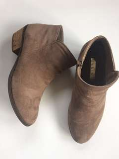BILLINI light brown / nude ankle boots