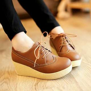 Sepatu platform wedges wanita